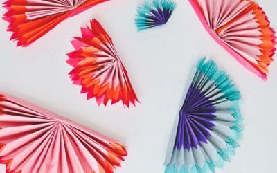 5 ways to decorate a party using tissue papers!
