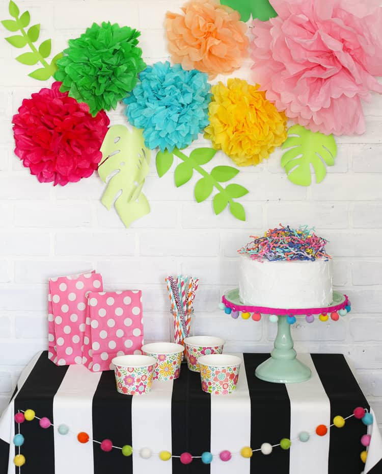 5 ways to decorate your party with tissue paper - pom poms and flowers